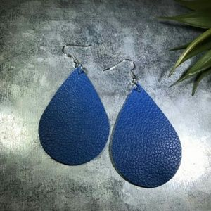Jewelry - DIVA GORGEOUS LEATHER TEARDROP DANGLE EARRINGS NEW